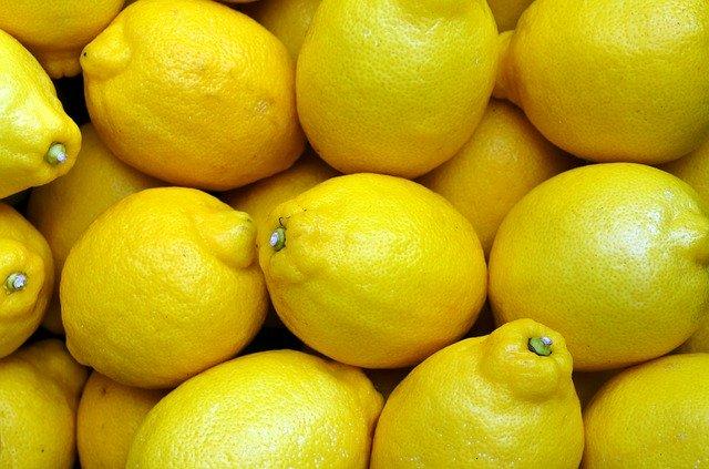 Méregtelenítés vízzel és citrommal - reggeli méregtelenítés citrommal